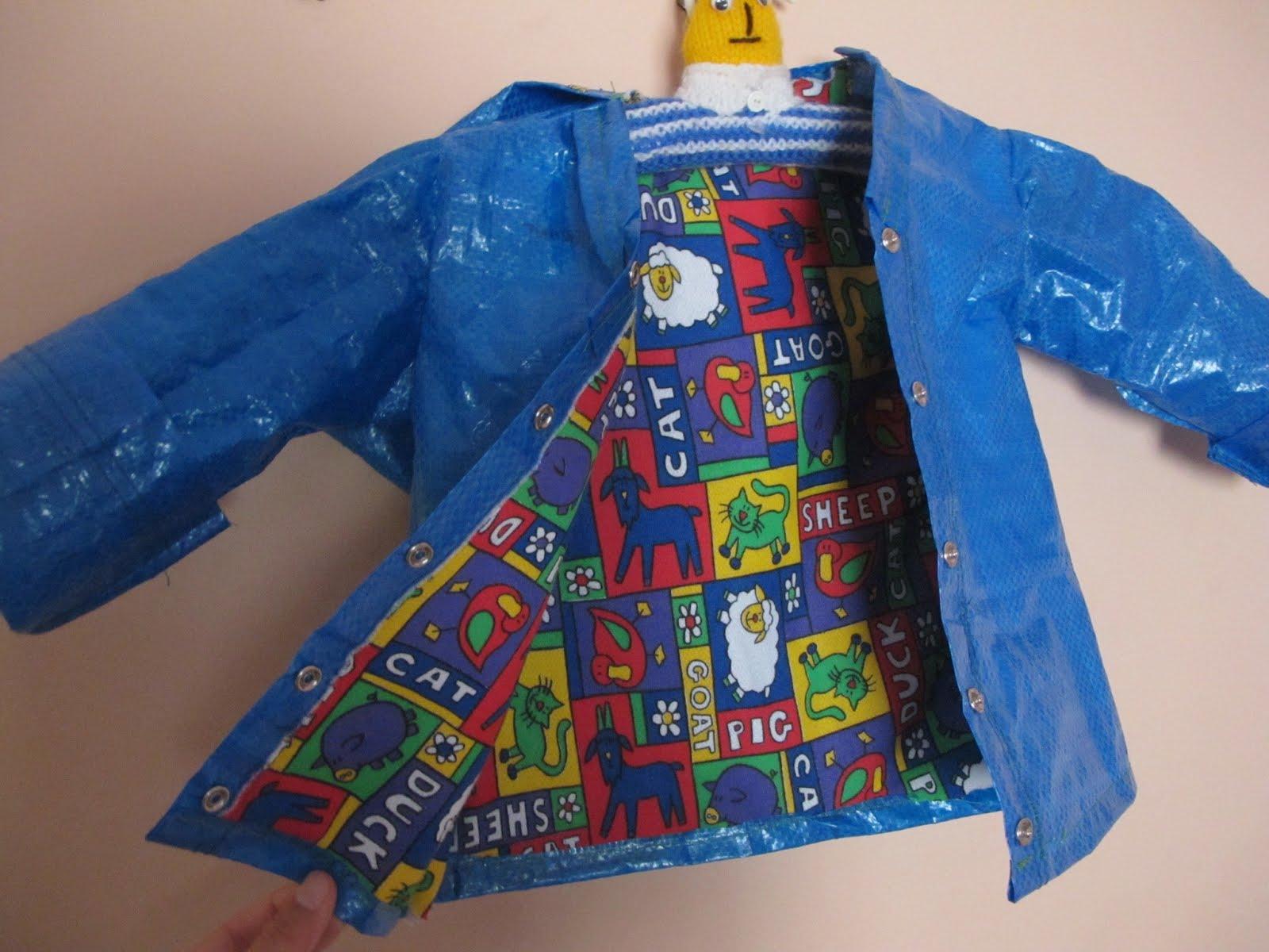 La nuova moda su Instagram è farsi gli abiti con la borsa blu di Ikea
