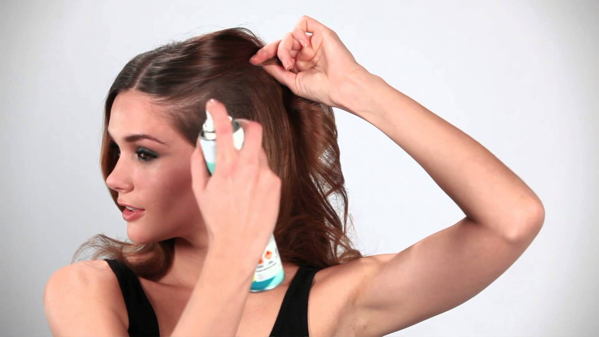 7 usi alternativi della lacca per capelli