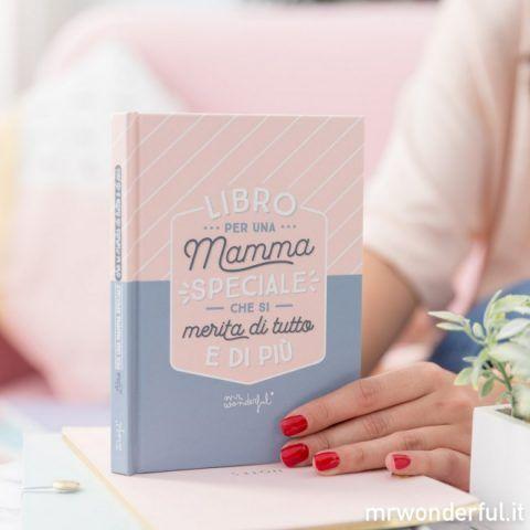 All'interno di questo quaderno potrai scrivere tutte quelle cose che desideri dirle e che sicuramente la faranno commuovere