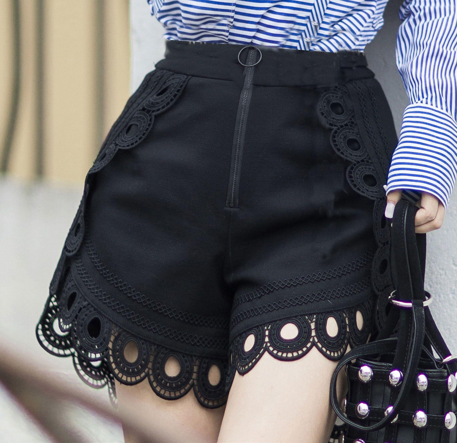 Come indossare gli shorts nell'estate 2017