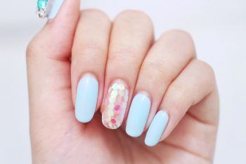 Beauty trend: unghie ovali con tonalità pastello