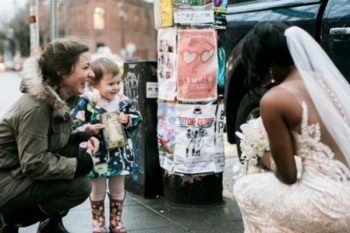 Crede che la sposa sia la sua principessa preferita in carne ed ossa
