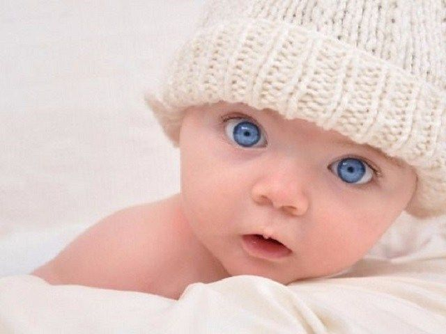 bimbi dagli occhi azzurri