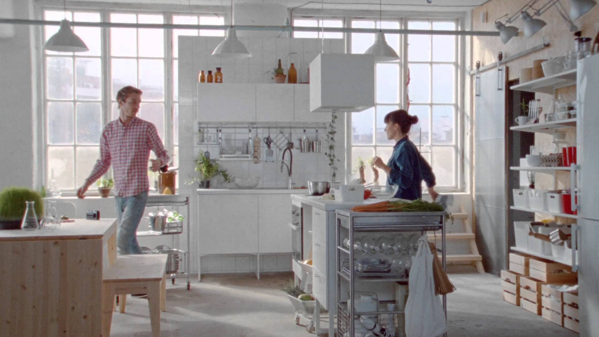 Tutte le volte che i cataloghi Ikea hanno previsto il futuro | Bigodino