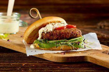 Hamburger e polpette con insetti: li vendono in Svizzera!