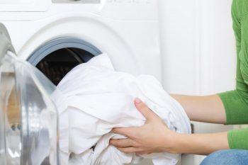 Come togliere lo smalto dai tessuti