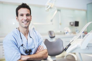 Un'app riconosce i dentisti abusivi