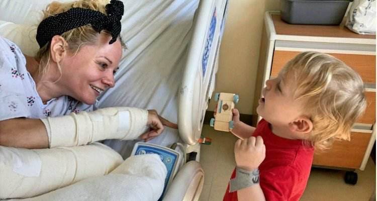 Il meraviglioso gesto di una baby-sitter salva la vita a un bambino di 2 anni