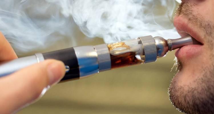 """Sigarette elettroniche, come preparare i liquidi """"fai da te""""per un vapore delizioso e molto più economico!"""