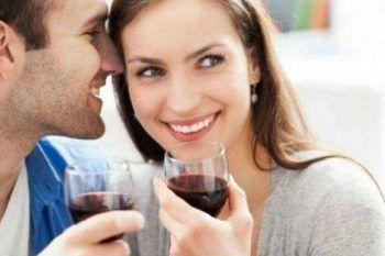 Ecco 9 azioni che compie l'uomo nei confronti della donna, che ci fanno innamorare.
