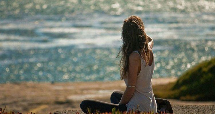 Gli scienziati dicono che una passeggiata in spiaggia fa benissimo alla nostra mente