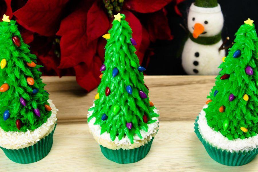 Come fare degli alberelli di Natale con i coni gelato