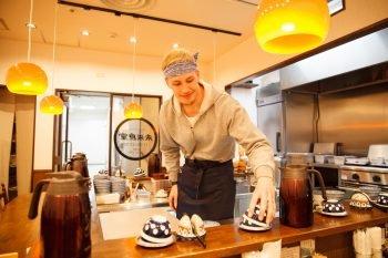 Tokyo, il ristorante dove mangi gratis se lavori 50 minuti