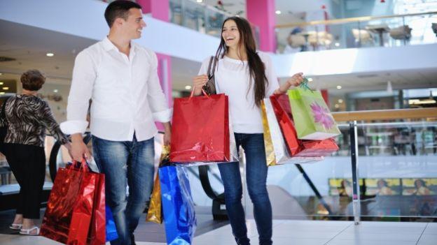 fare shopping con il fidanzato
