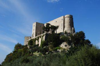 I borghi fantasma in Italia che sono in vendita