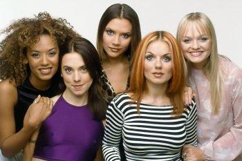 Le Spice Girls tornano sul palco insieme