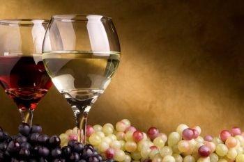 Cervello, 2 bicchieri di vino al giorno aiutano la salute mentale