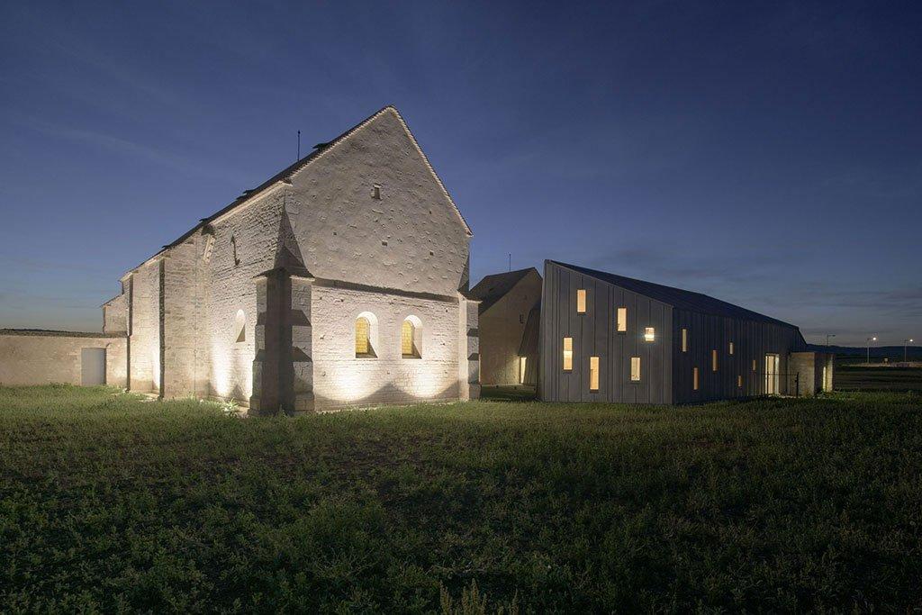 Borgogna: terra di vigneti e di opere architettoniche incantevoli
