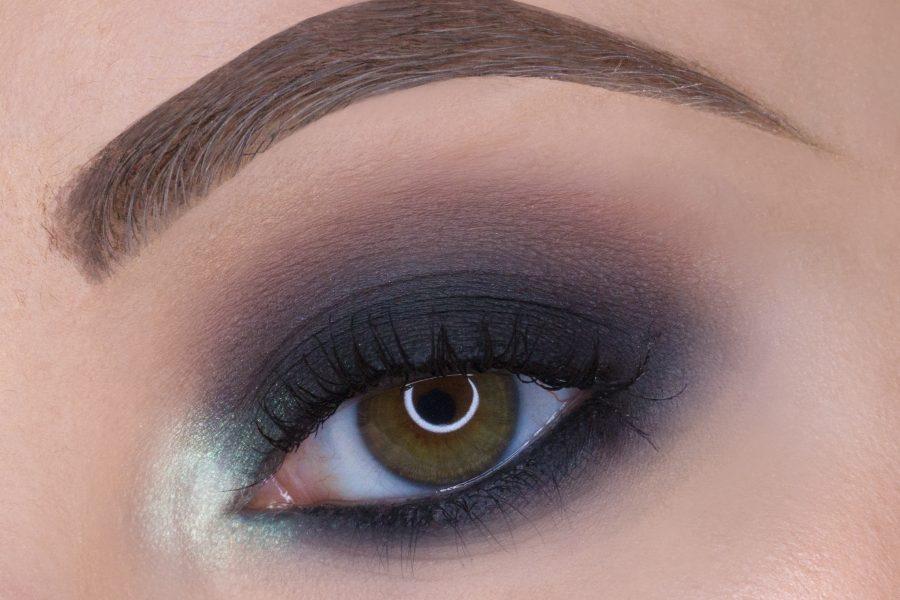 Makeup in 5 minuti? Prova lo Smokey Eye marrone e nero!