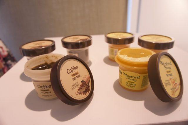 Skinfood - Due nuove maschere nella famiglia skinfood, una al caffè energizzante e leggermente scrutante, l'altra al miele idratante e senape