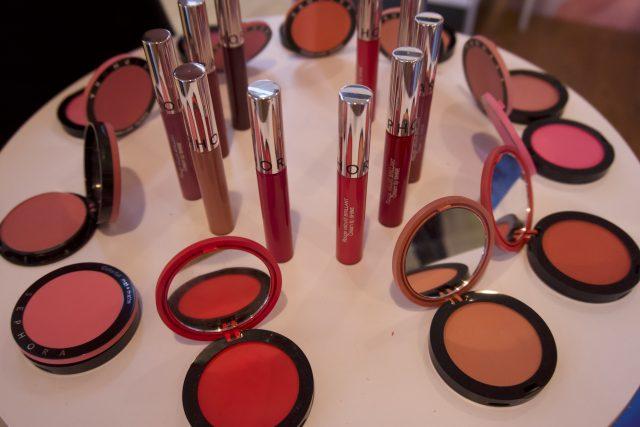 Sephora - Cream Lipstain effetto gloss - Dopo le iconica Cream Lipstain matte e le metallizzate recentemente uscite, questo autunno scopriremo anche la versione lucida!