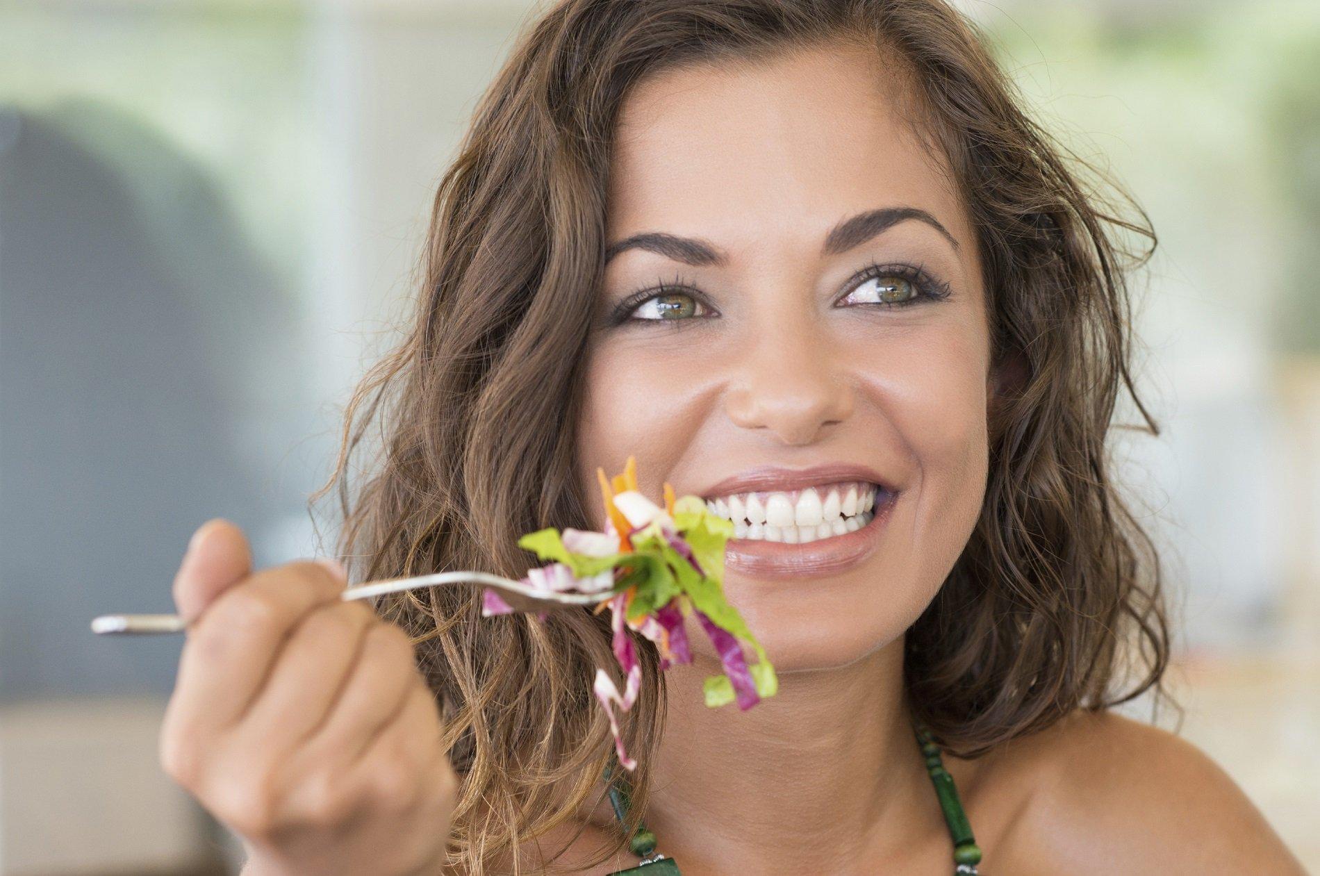 Come migliorare la salute delle gengive con l'alimentazione