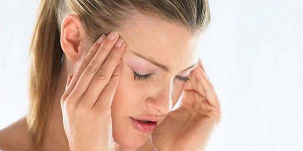 Cosa causa le vertigini, i sintomi e quando preoccuparsi