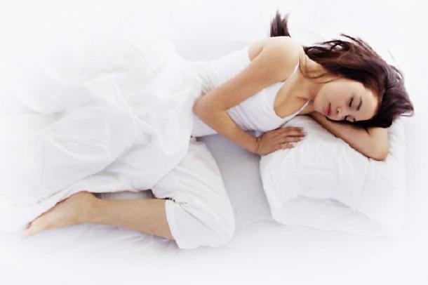 non-dovresti-mai-dormire-sul-lato-destro-del-tuo-corpo6