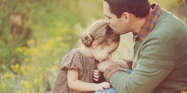 l'esempio-che-un-padre-deve-dare-alle-proprie-figlie 1