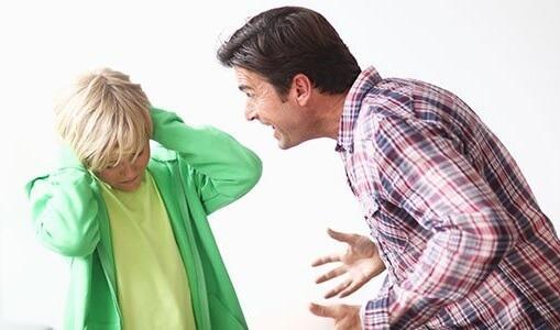 urlare-contro-i-propri-figli-conseguenze3