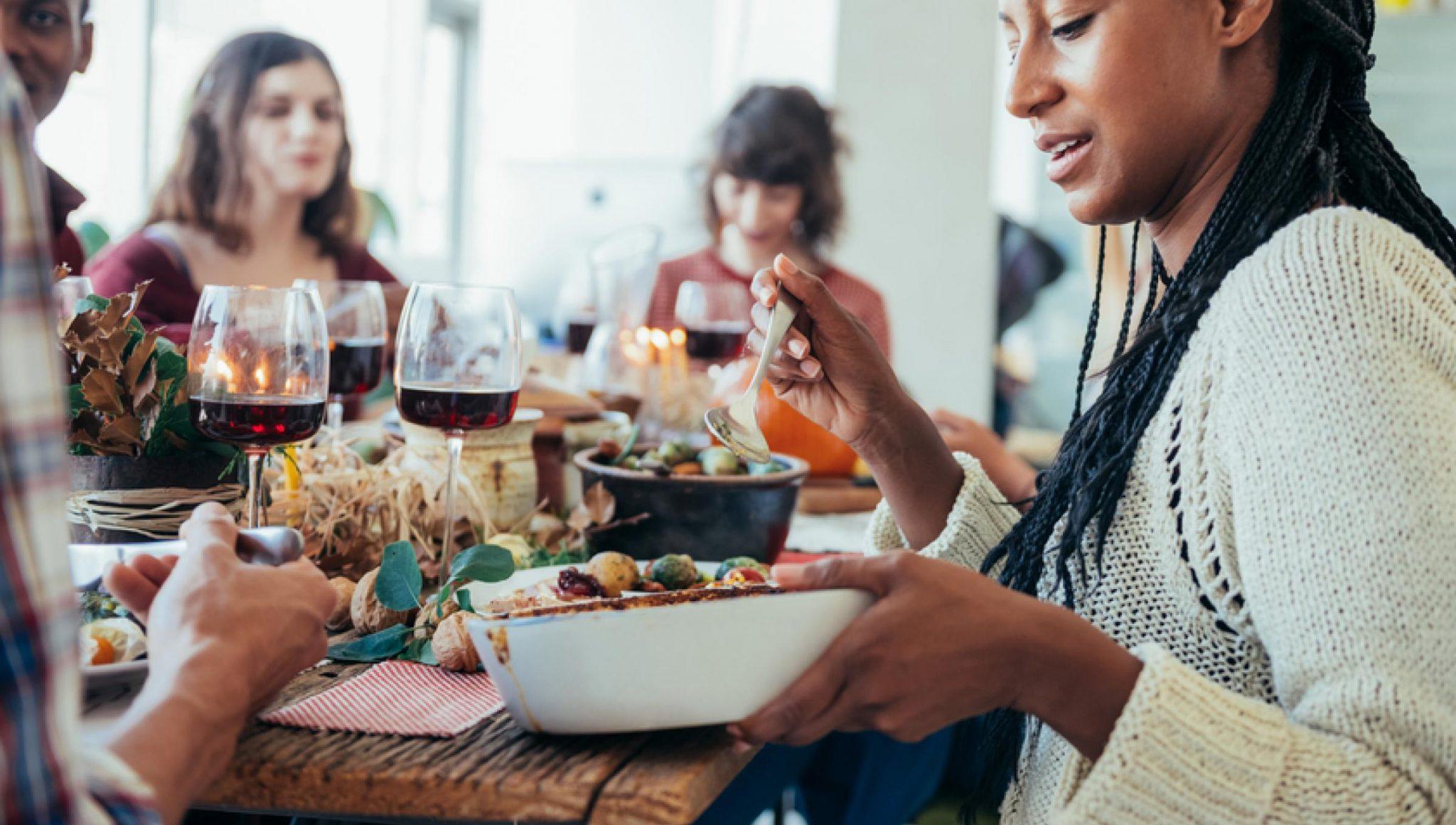 A che ora si mangia in Italia e nel mondo?