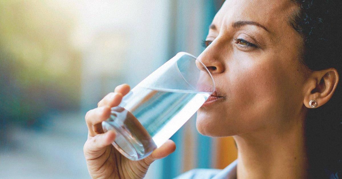 Avere sempre sete e la bocca asciutta, 7 motivi