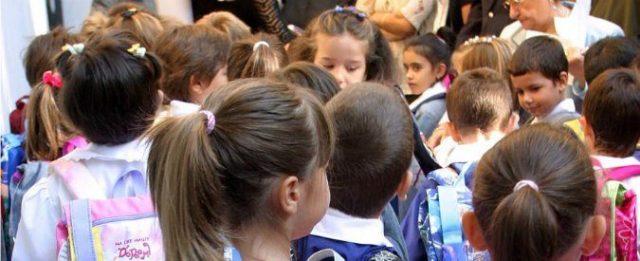 lo-shock-delle-prime-mestruazione-di-una-bambina-a-scuola 2