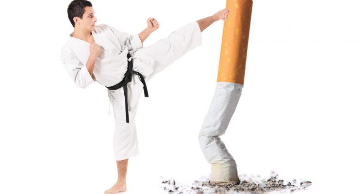 Anche l'alimentazione aiuta a smettere di fumare: cibi e altri consigli