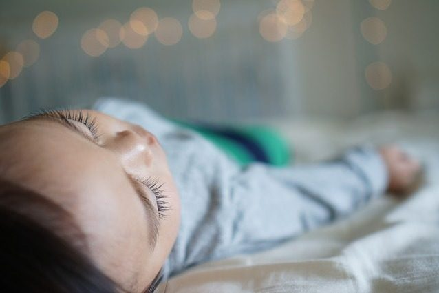 e-allerta-misteriosa-malattia-lascia-i-bambini-paralizzati5