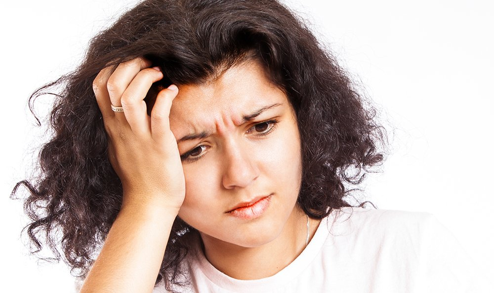 Prurito cuoio capelluto: rimedi naturali efficaci