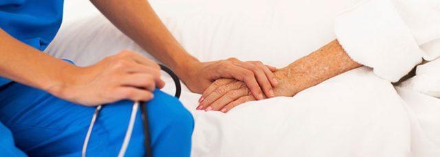 il-gesto-dell'infermiera-per-la-dolce-Helen 1