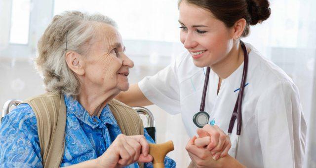il-gesto-dell'infermiera-per-la-dolce-Helen 2