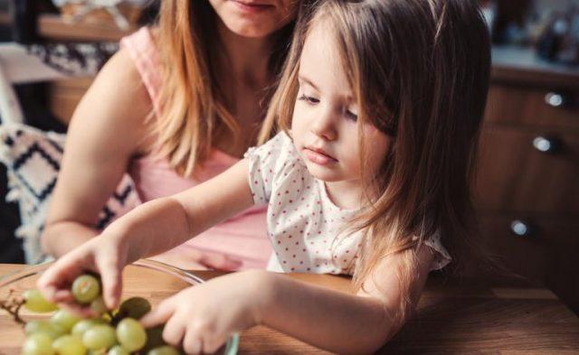 come-dare-l'uva-ai-bambini 4