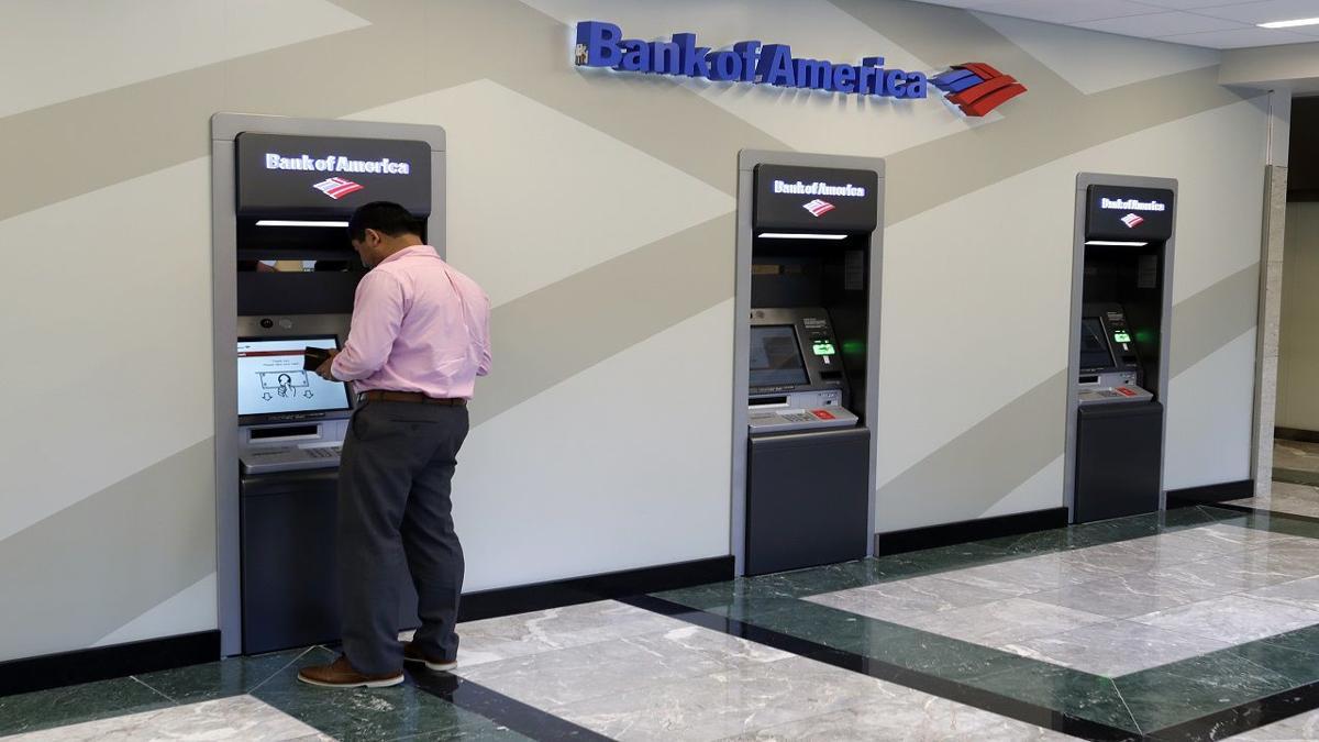 Bancomat impazzito, sportello 'regala' soldi durante il prelievo