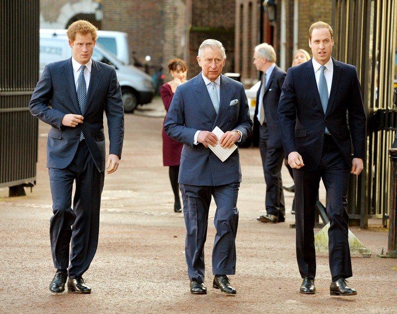 """Harry sul principe Carlo: """"Mio padre a tavola è spesso arrabbiato. Ecco perché"""""""