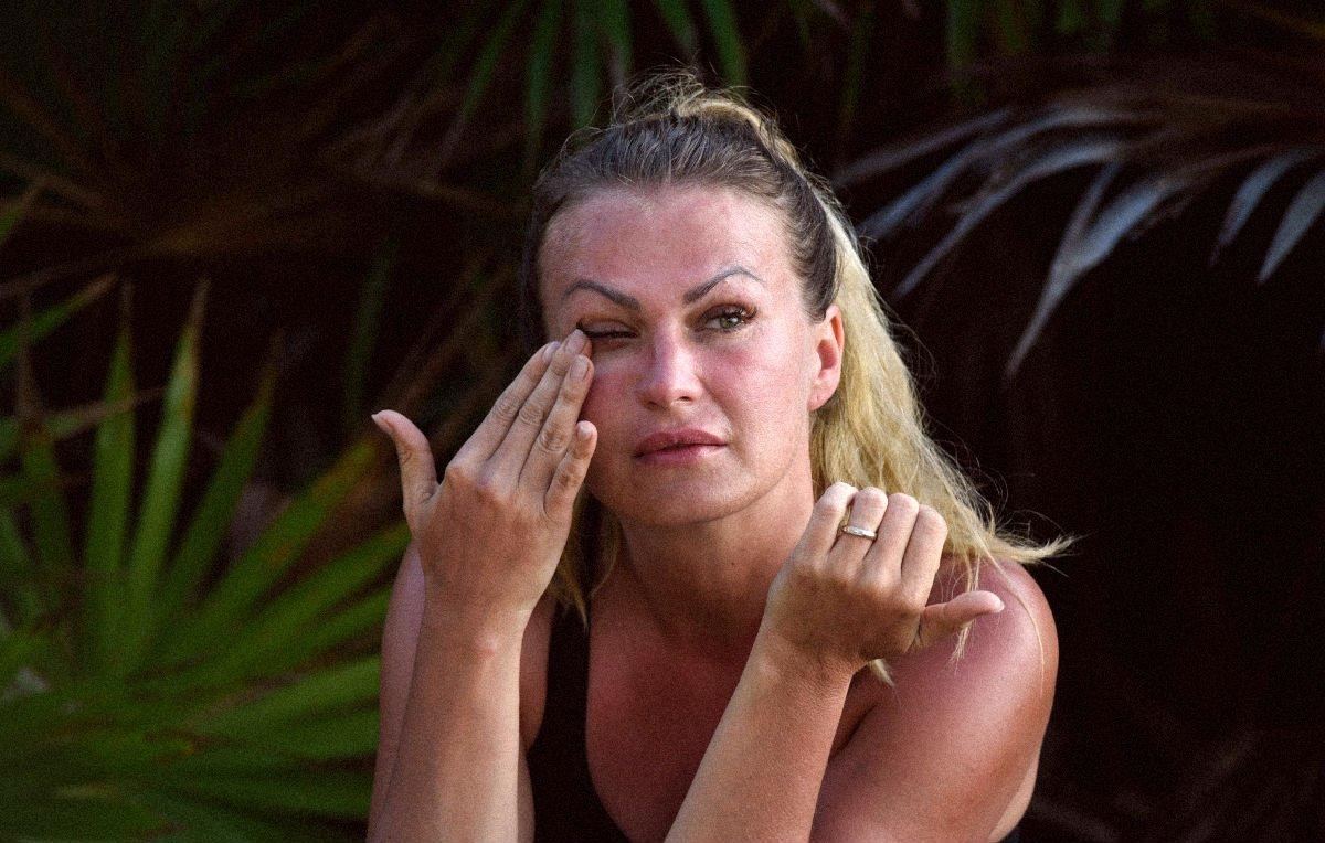 "Paura per Eva Henger: ""Ho un dolore al seno, devo operarmi"""