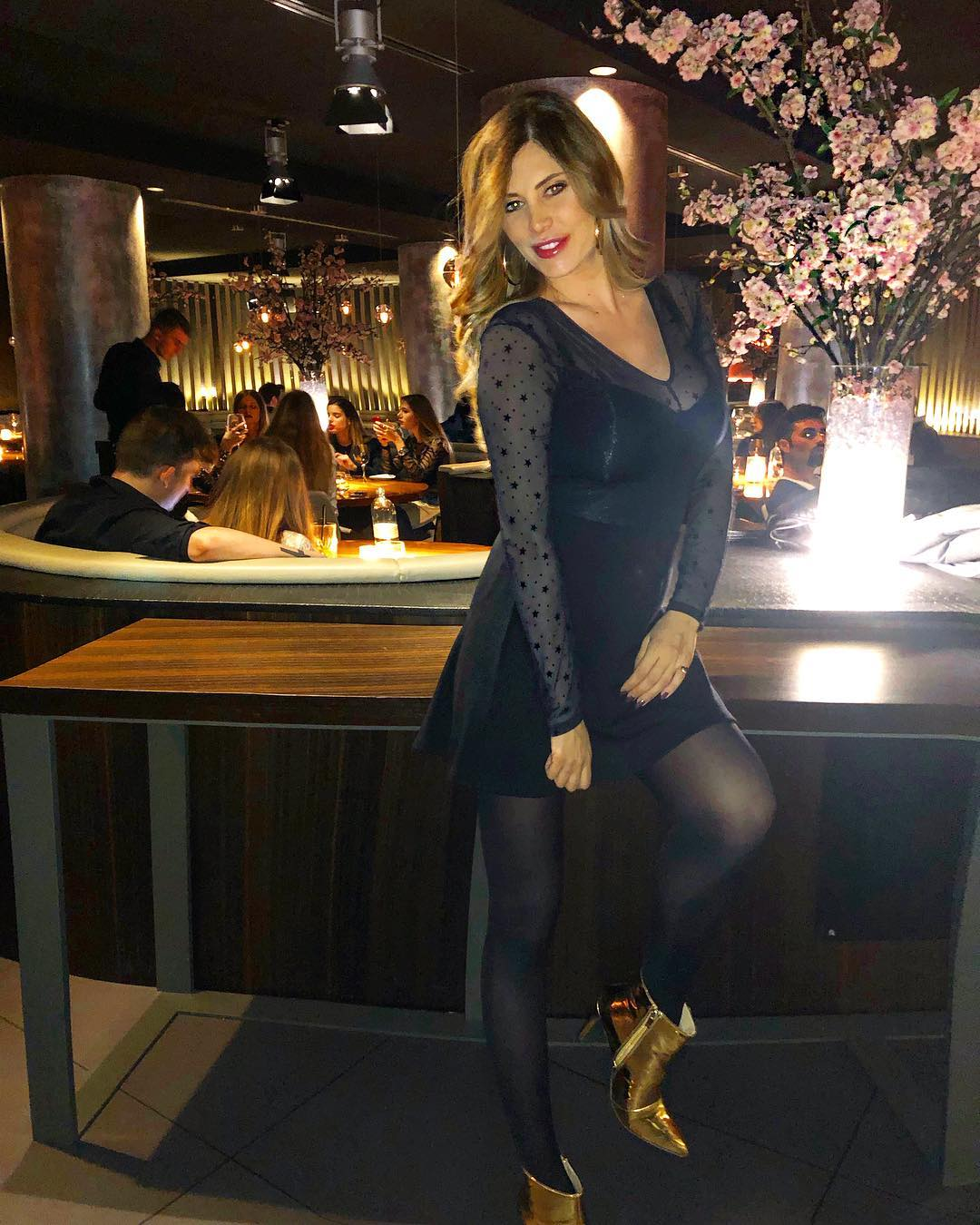 Paola Caruso senza veli e con il pancione su Instagram: scoppia la bufera