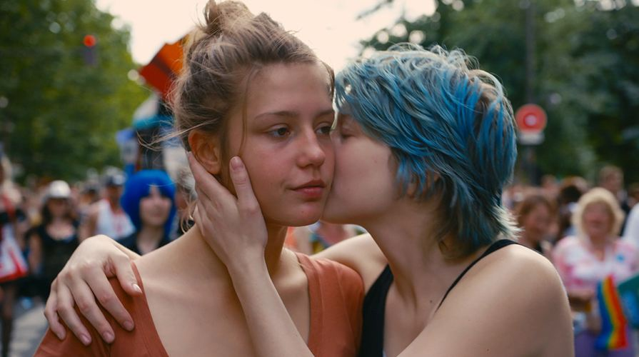 Quando a fare l'amore sono due donne: le migliori posizioni dell'amore saffico