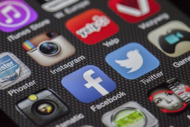 chirurgia-estetica-social-network