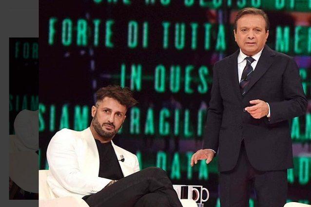 """Fabrizio Corona contro Alessandro Cecchi Paone: """"Ha strumentalizzato la sua omosessualità"""""""