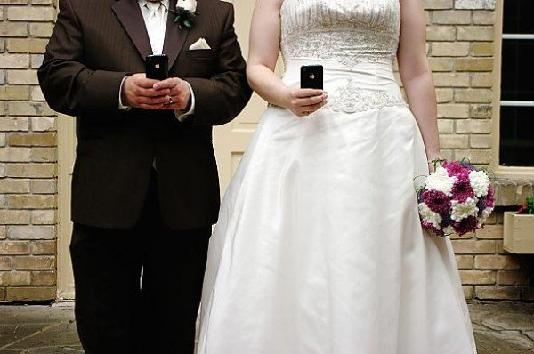 Tradita prima del matrimonio, svela tutto durante la celebrazione