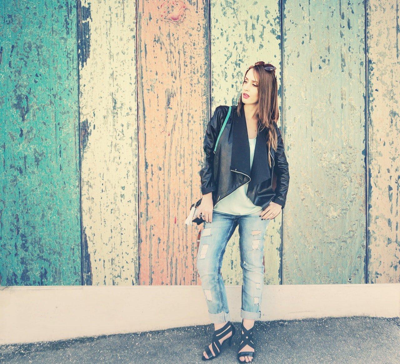 Come abbinare i jeans chiari in inverno