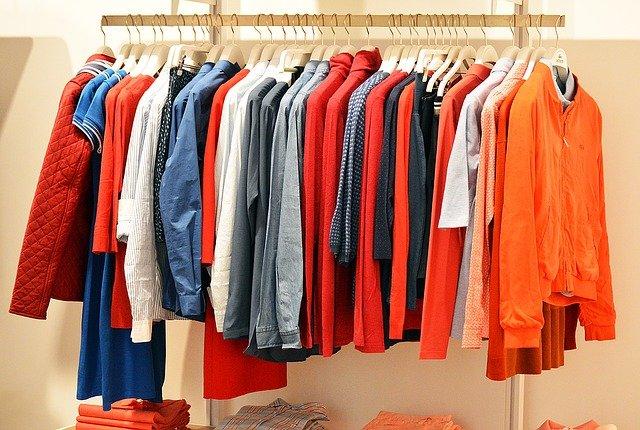 Non è una buona idea indossare subito un abito appena comprato