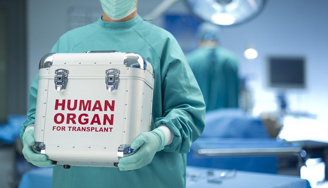 Cuore umano dimenticato in aereo